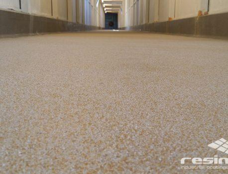 Il massetto in poliuretano cemento: soluzione ideale per i tuoi ambienti lavorativi