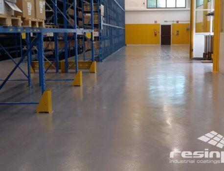 Pavimenti industriali in resina o poliuretano cemento: la soluzione Resinpox
